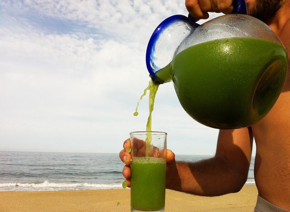 jugo verde, ultravioleta, protección, piel