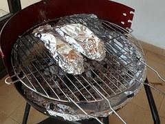 asar el pescado de cubrir de aluminio