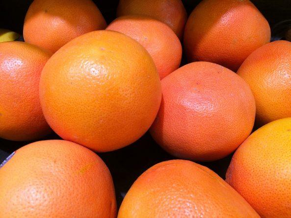 la toronja (el pomelo)