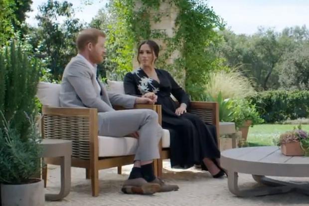 Meghan de Sussex y el príncipe Harry recibieron a Oprah Winfrey en su casa en los Estados Unidos. (Foto: @cbstv / Instagram)