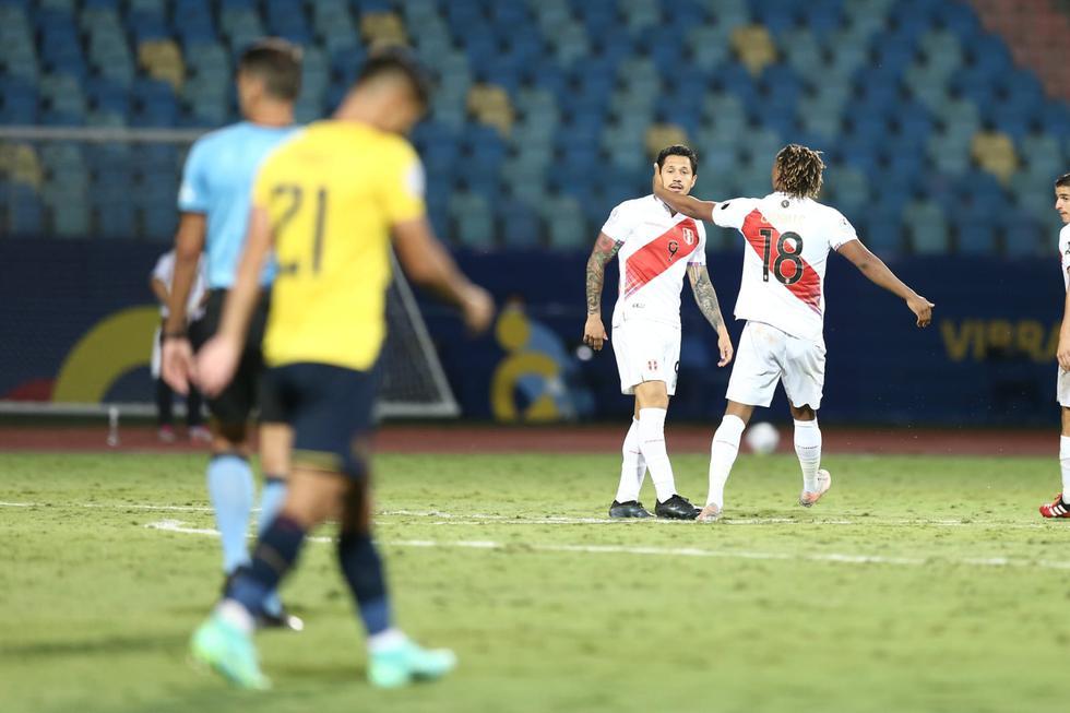 Perú terminó el primer tiempo atacado por la potencia de los ecuatorianos, en  el segundo tiempo los peruanos salieron recargados. (Jesús Saucedo/GEC)